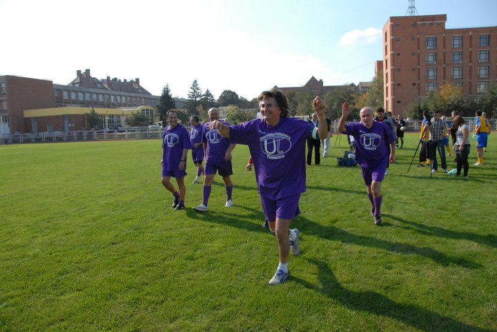 Primarii Nicolae Robu si Emil Boc sprijina sportul si alearga