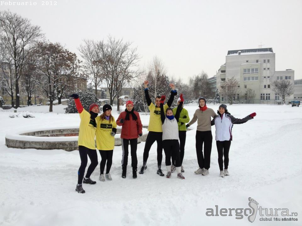 Cum ne îmbrăcăm iarna la alergare? Echipament de jogging în sezonul rece